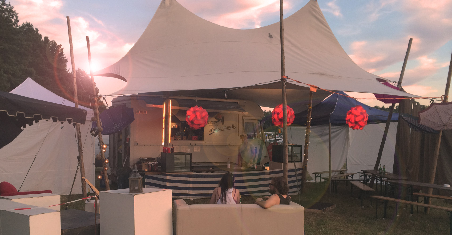 Catering Foot Truck bei Festivals mit Zelt